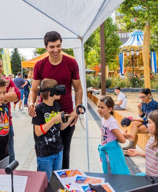 Sute de copii au experimentat cu aplicații de AR și VR la Timișoara Science Festival