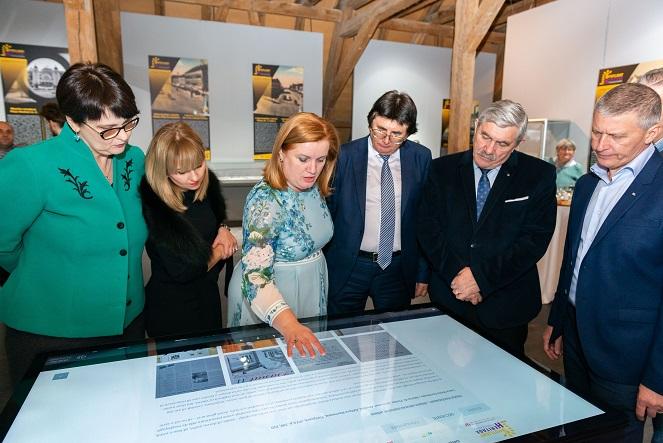 """Finisajul expoziției """"Cartierul Iosefin şi Valeria dr. Pintea – un roman într-o expoziție"""" și a evenimentelor din seria AUZUL"""