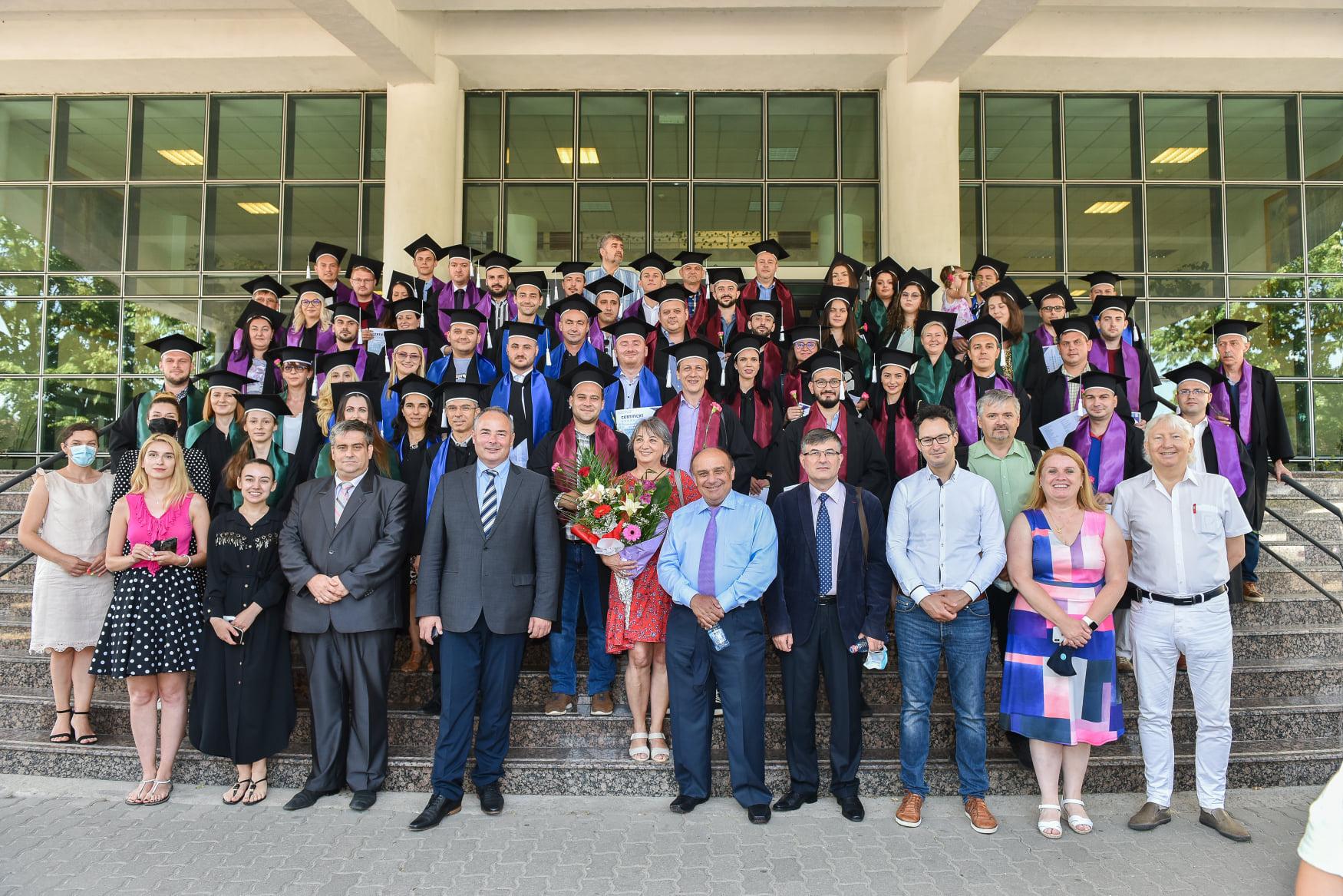 Ceremonia de absolvire ID/IFR – PROMOȚIA 2021 în format HIBRID: emoții live din Auditorium și online, din toate colțurile lumii
